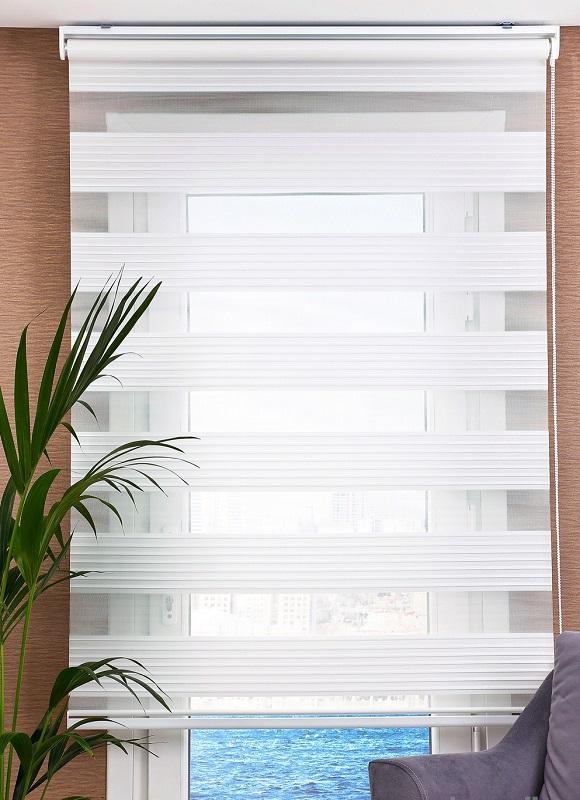 pliseli-zebra perde-beyaz.jpg
