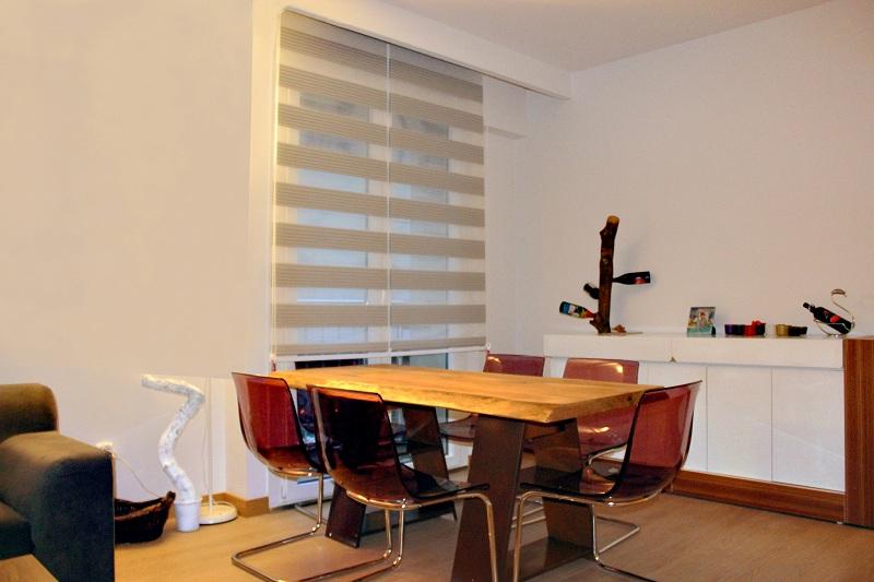 Oturma odaları ve günlük kullandığımız mekanlar için zebra perde modellerinin tercihi yerinde bir karar olabilir.