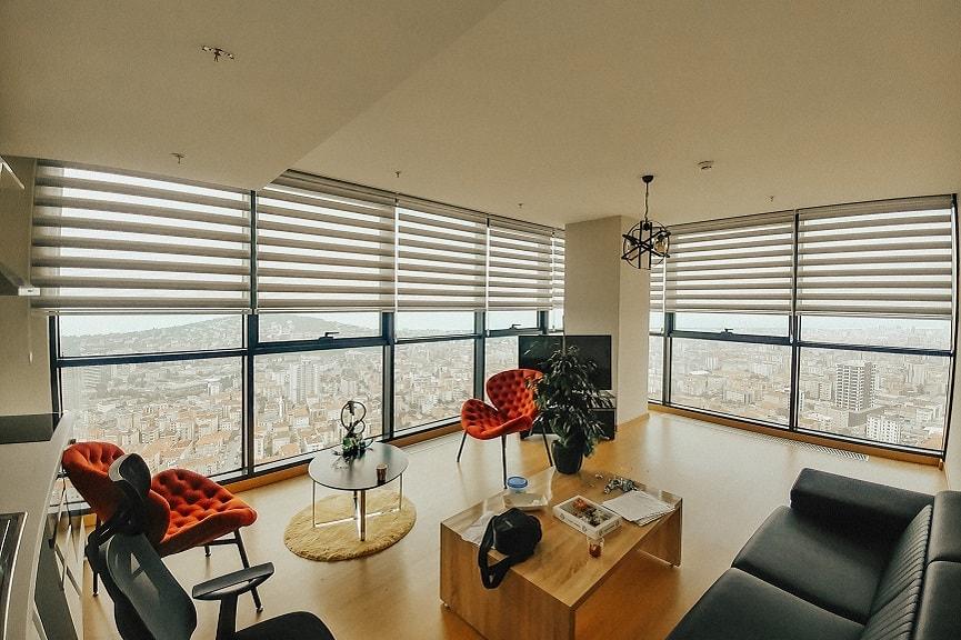 Birbirinden şık zebra perde modelleri ile evinize estetik bir görünüm kazandırın !